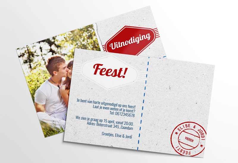 Uitnodigingskaart met foto en retro-label