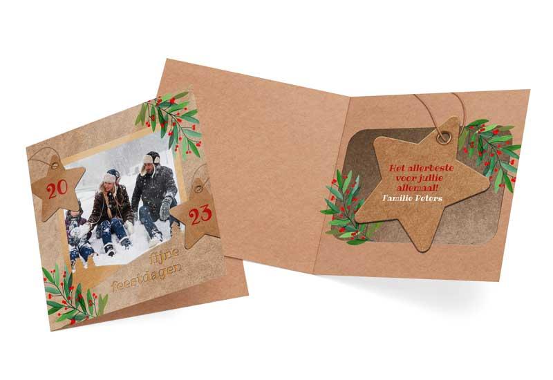 Kerstkaart met foto in uitgeknipt-karton ontwerp