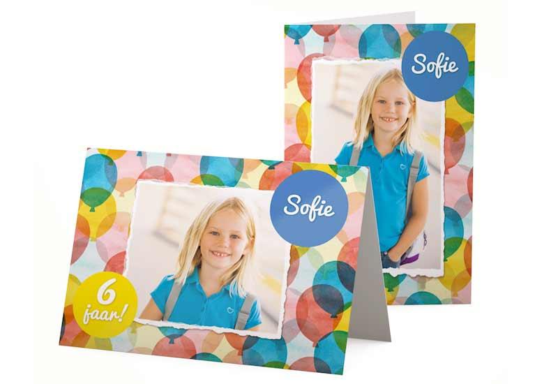 Simpele uitnodiging kinderfeestje met aquarel ballonnen