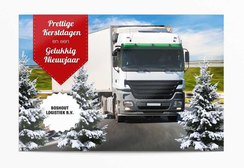 Zakelijke kerstkaart met bedrijfsfoto tussen kerstbomen