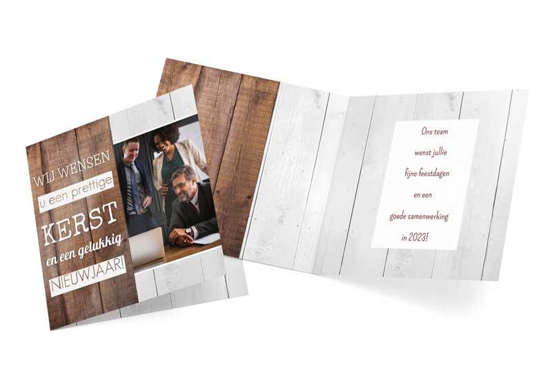 Zakelijke kerstkaart met foto en houten planken