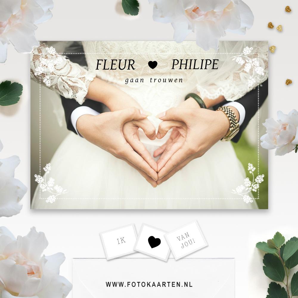 Mooi natuurlijk design witte bloemen huwelijk trouwkaarten