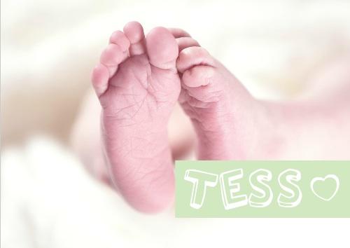 geboortekaartje met foto en tekst in label