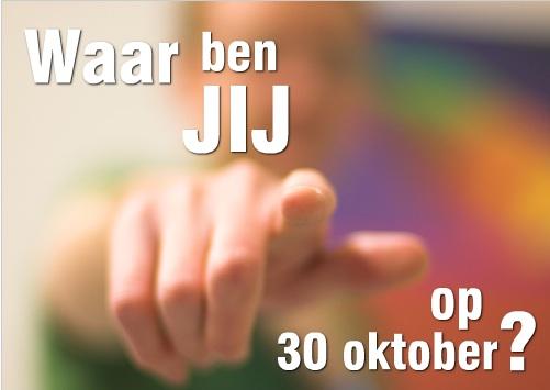 uitnodiging voor een feestje: weinig tekst en een foto die samen nieuwsgierig maken wat er op 30 oktober te doen is. Snel de achterkant bekijken